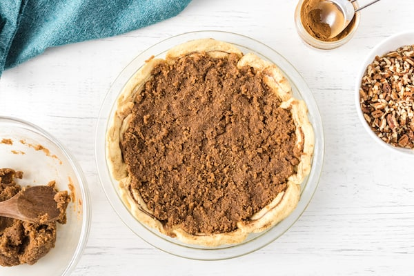 top cinnamon roll crust with filling