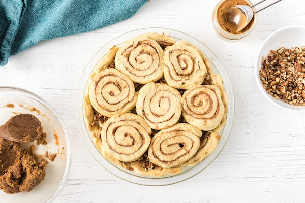 top cinnamon roll pie crust