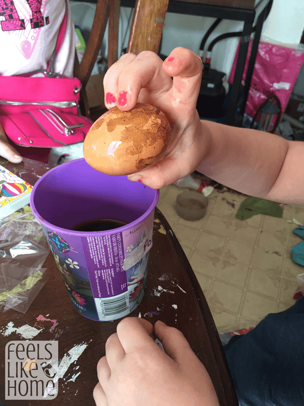 sugary-drinks-egg-kids-science-experiment-soda