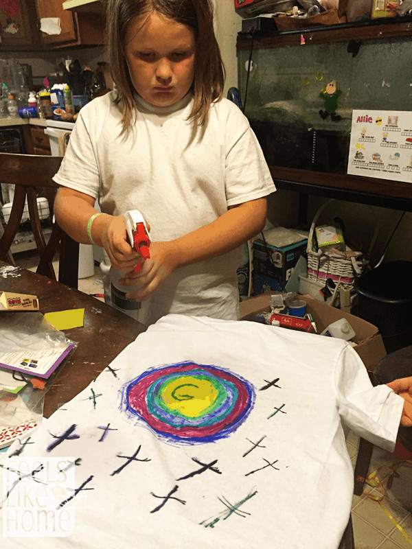 t-shirt-chromatography-grace-spraying
