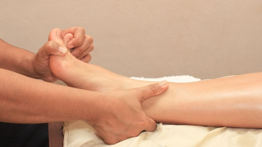 foot massage before bed