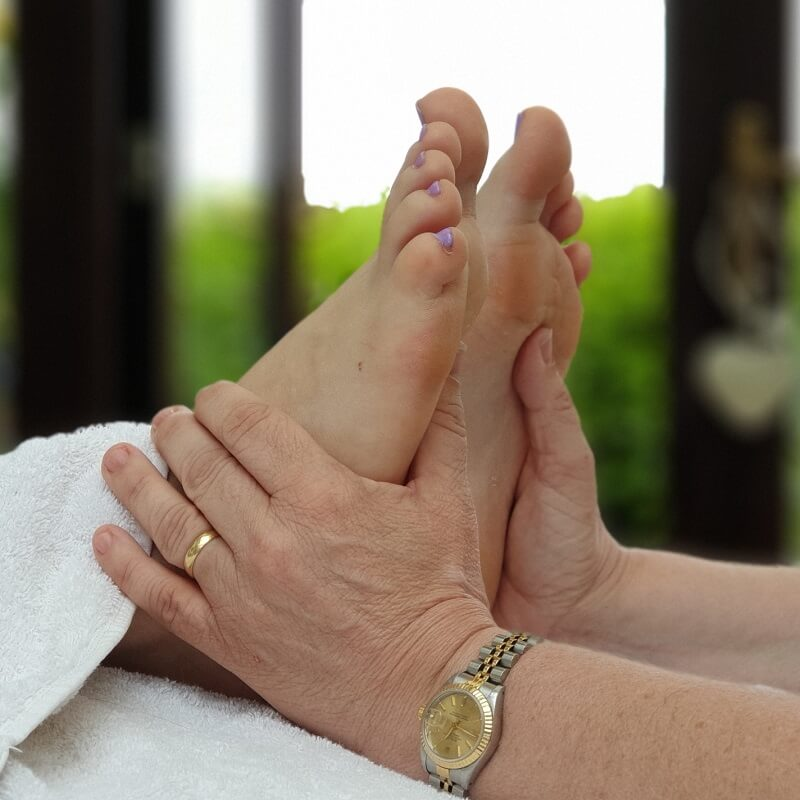 foot-reflexology-feet-first-reflexology-bluntisham