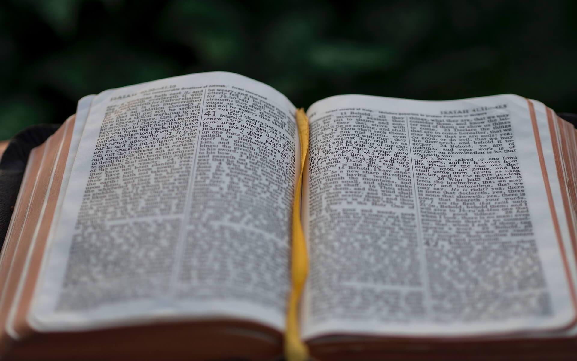 Bibel, Symbolbild für den Glauben