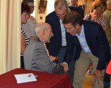 Manuel recibe el saludo del Presidente de la Xunta