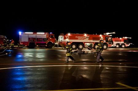 flughafen-erfurt-notfalluebung-20101112-0382