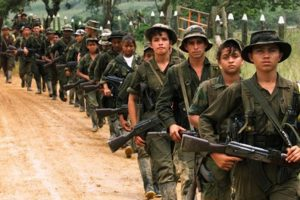 Revolutionary Armed Forces of Colombia (FARC) militanları. Ne kadar da...