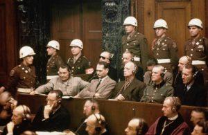 Naziler yargı önünde...