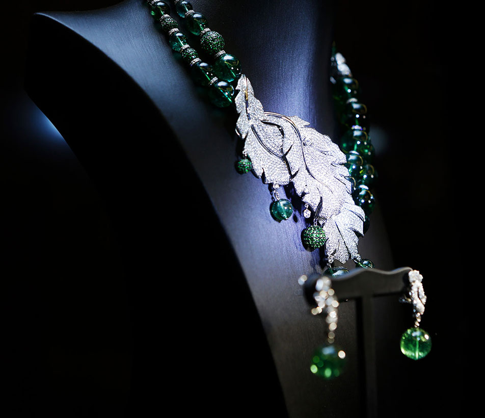 Fei's bespoke Green Tourmaline Feather Neckpiece and Earrings.