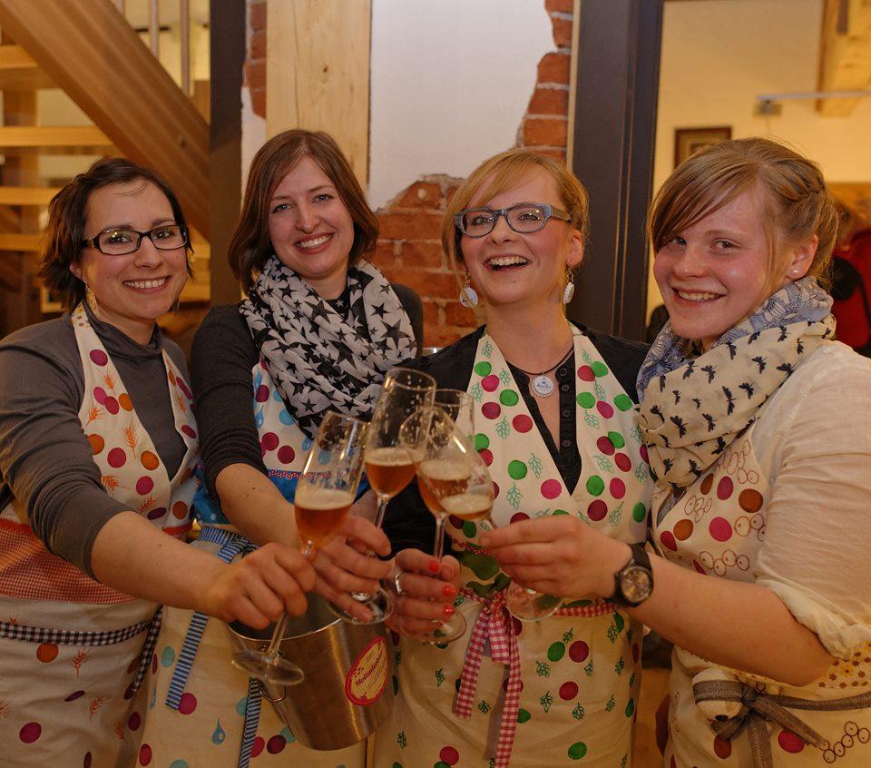 Frauen brauen: Holla die Bierfee - Feiner Hopfen