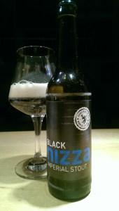 Nachtschwarzes Black Nizza von Hanscraft & Co.