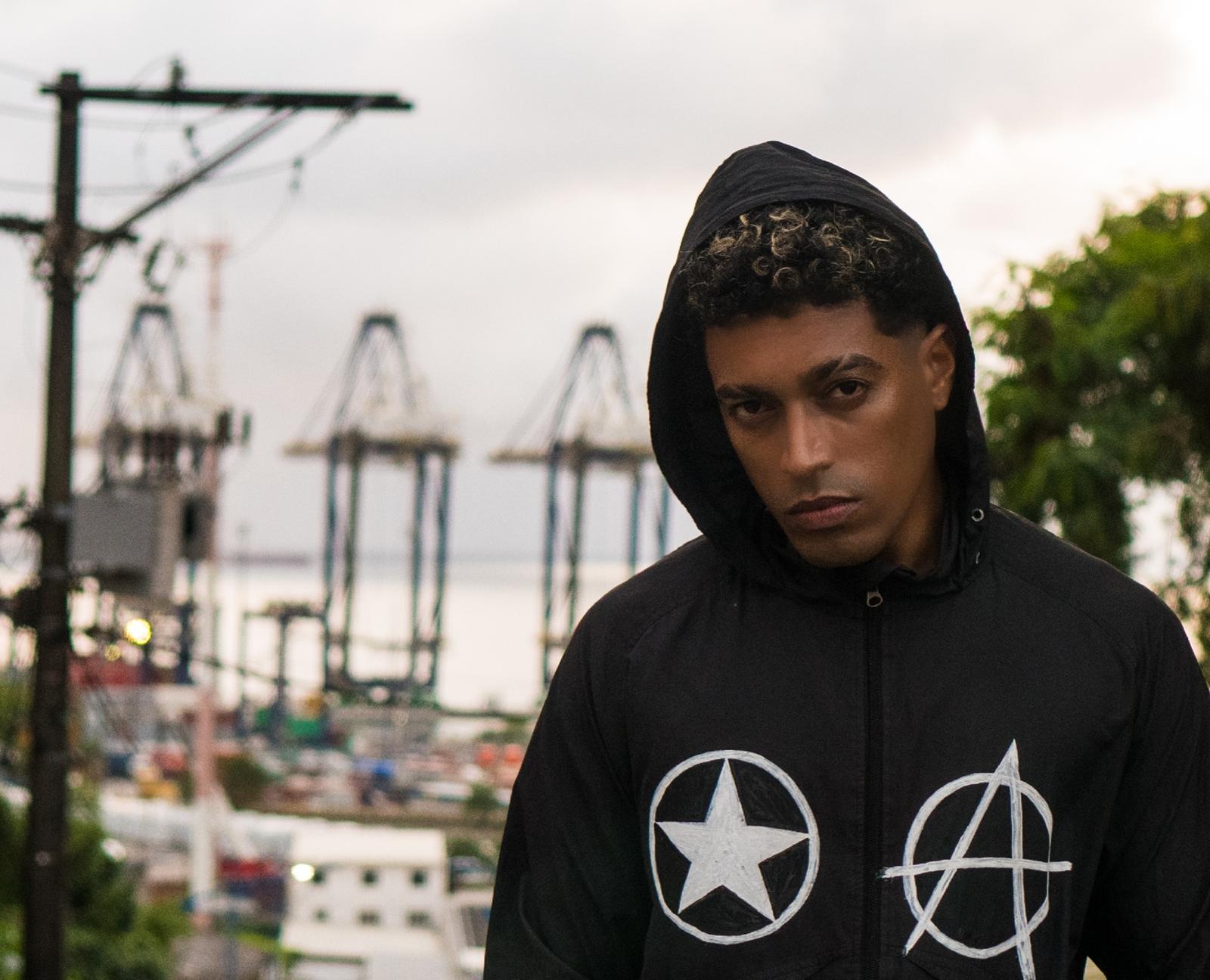 Axel Lóhr, potente voz do underground de Salvador