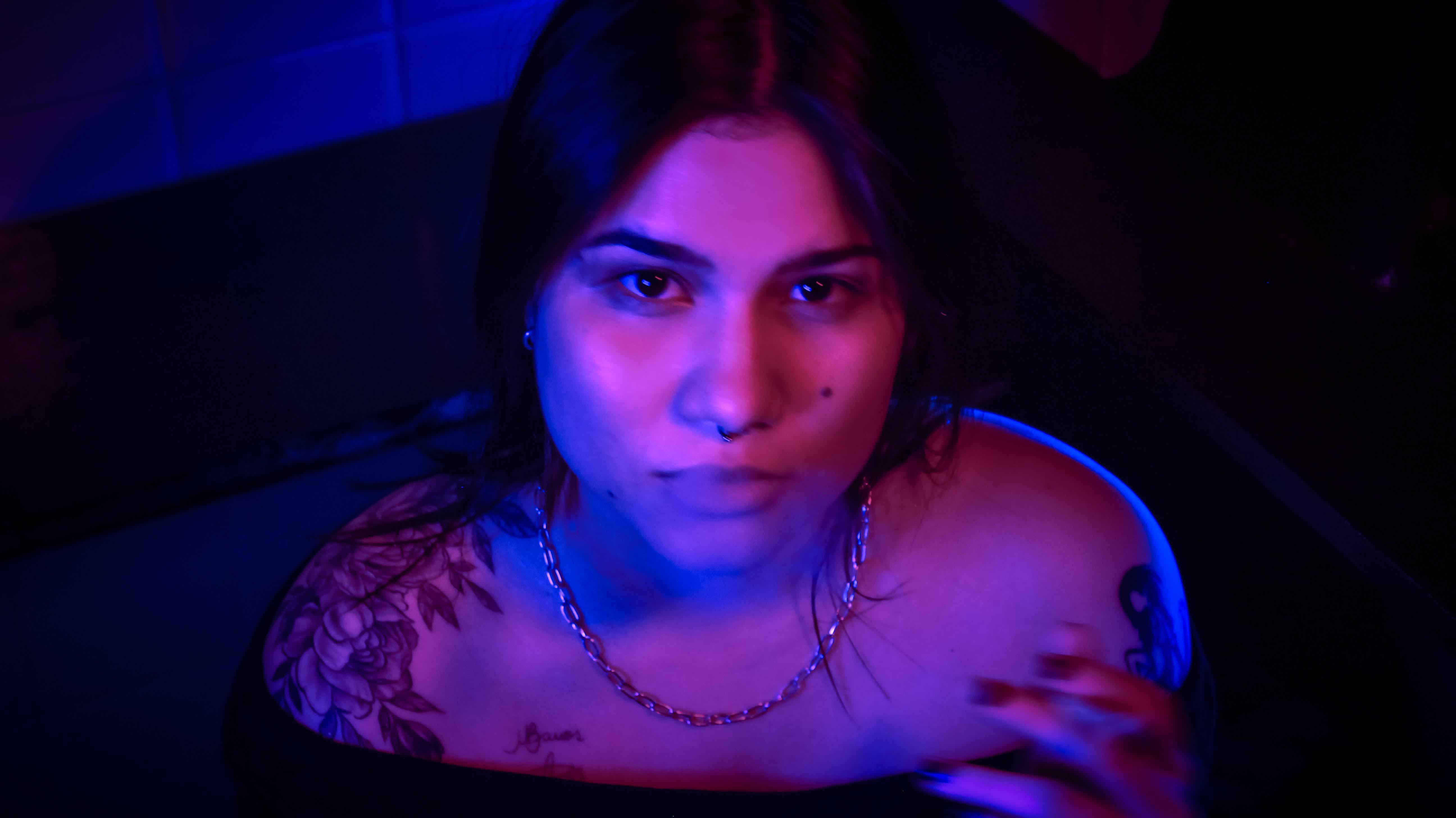 "Jessica Cohen revela single e videoclipe de ""Veneta"""