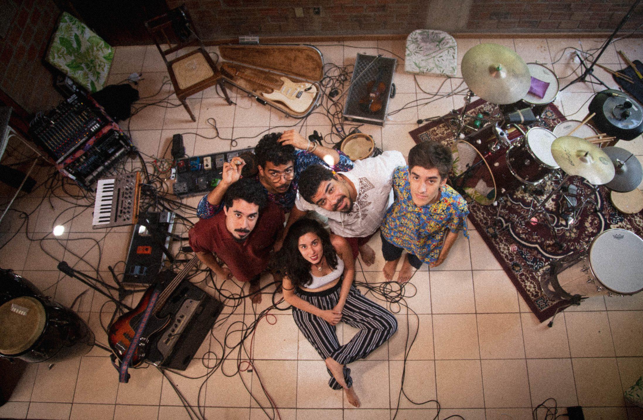 """""""Oroboros"""" é o novo disco da banda A Trupe Poligodélica"""