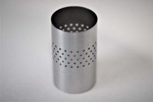 Zylinder mit Bohrungen