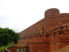 Just outside the Agra Fort