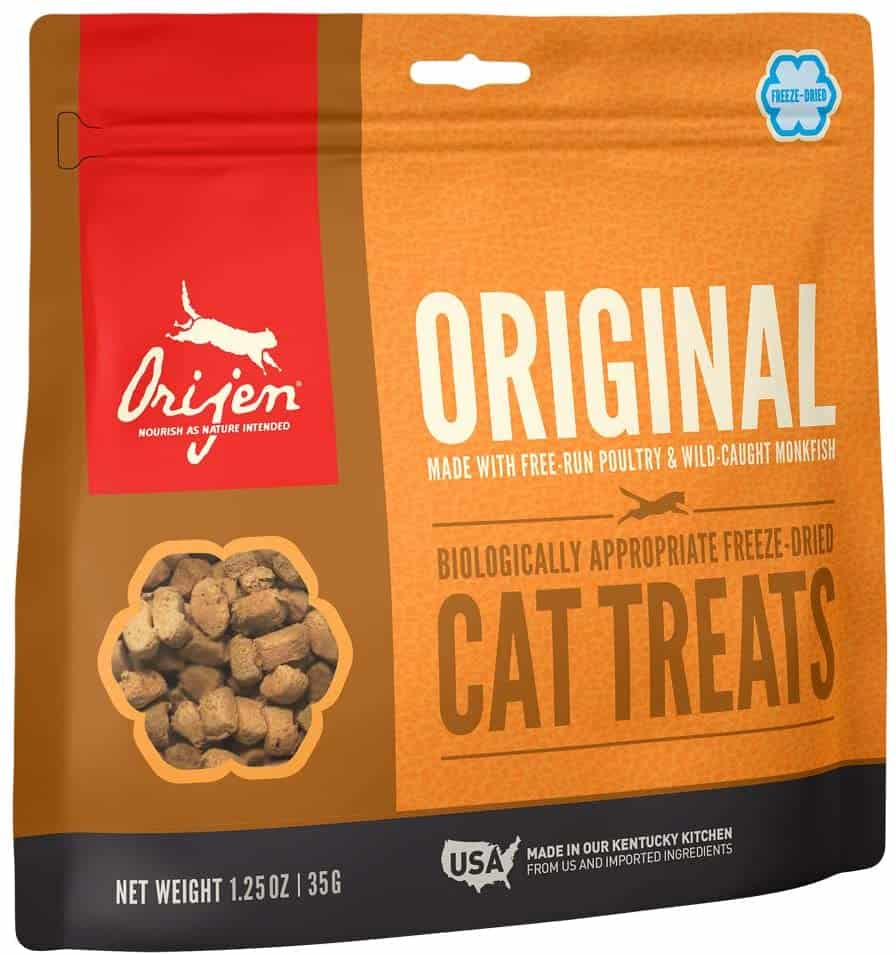 Our Top 6 Best Cat Treats for 2020 Plus When and How to Feed Your Pets 4