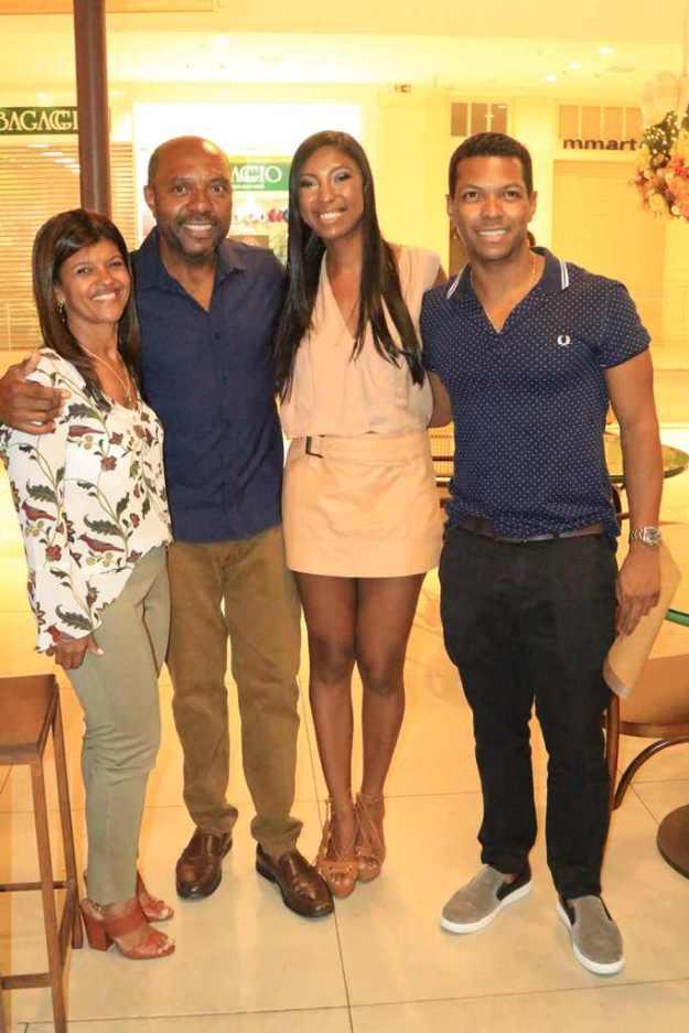 Vera, Osvaldo, Aina & Jonatas Moreira