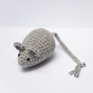 myszka szara dla kota z kocimiętką