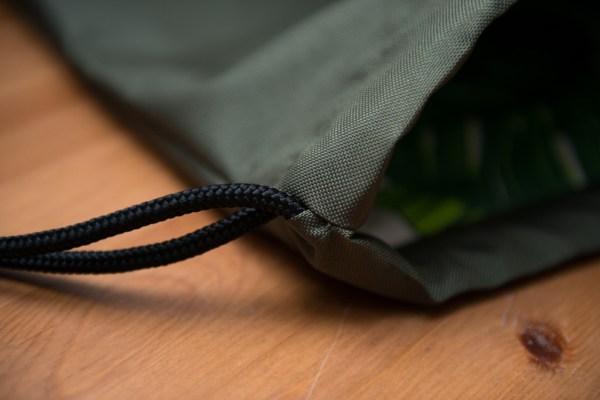 oliwkowy plecak worek z kieszonka wodoodporny