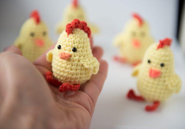 zabawka dla kota kurczaczek z kocimiętką