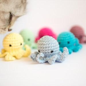 ośmiornica zabawka dla kota z walerianą
