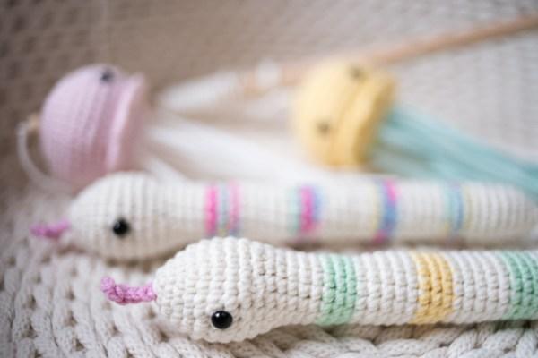 zabawka kopacz dla kota Wąż