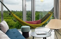 25hours_hotel_bikini_berlin-jungle-room-l_-ausblick_gross