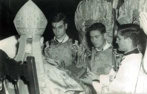 En plena ceremonia de ordenación
