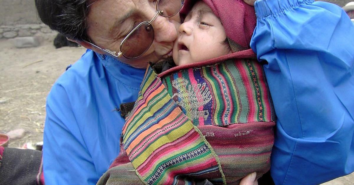 """""""Cristo vive en los pobres"""" (Testimonio de Sor Adelina Gurpegui)"""