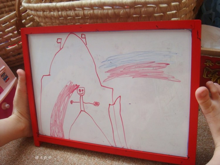 親子 小小孩愛畫畫 鄭寶貝四歲線條塗鴉紀錄