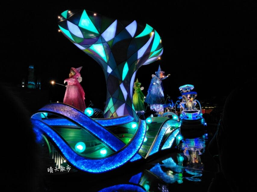 東京迪士尼樂園夜間遊行雨天版本