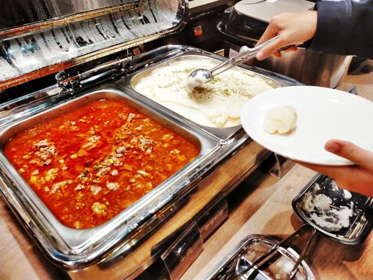 20201128012813 62 - 台中吃到飽 牛室炙燒牛排台中大墩店~點排餐附自助沙拉吧吃到飽,熱炒、熟食、披薩、飲料、甜點通通有,平日特餐299起,大墩路美食