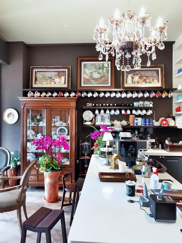 20210131224804 39 - 西區早午餐|薔薇蘿拉咖啡館~重新開幕的低調奢華咖啡館  崇倫公園對面老字號早午餐