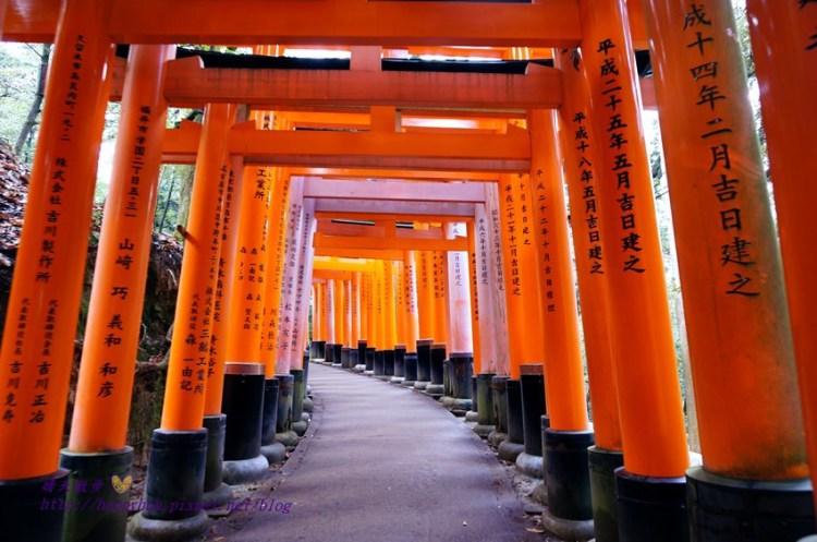 [日本景點]京都∥伏見稻荷大社~日本稻荷神社總本山 連綿不絕的千本鳥居 處處有神使狐狸 交通方便 JR稻荷站出站就到
