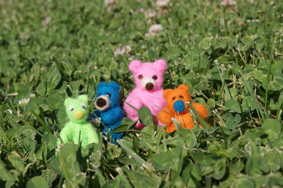 tiny needle felted bears