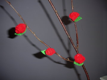 Tutorial of felt roses on branches and a tiny tree felting it is said that imitation is the greatest form of flattery and today i am imitating wendy chungs tutorial paper flower table setting of dozi design idea mightylinksfo