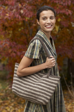 Free Knitting Pattern For Felted Windy City Tote Craft Gossip