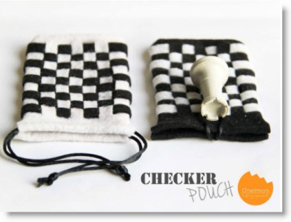 checker pouch