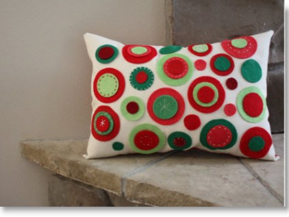 felt circle designed  pillow