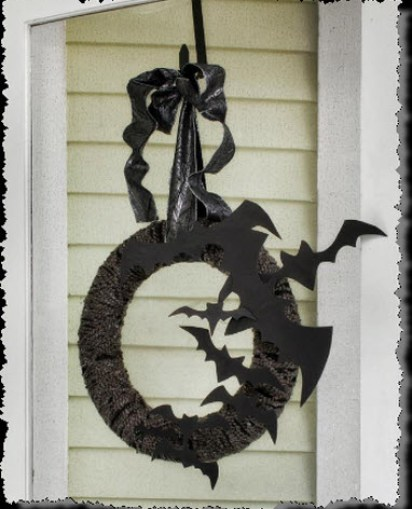 Flying Bat Wreath tutorial