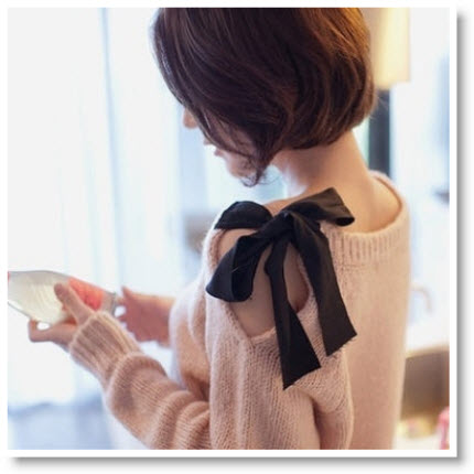 Pink bow side shoulder sweater DIY