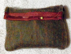 square pouch green closed