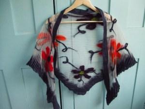nuno-net-shawl-flowers-front