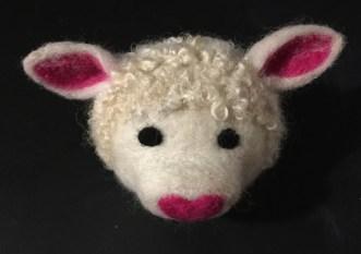 Lamb glasses holder 1