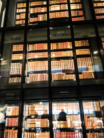 literary tour of london - books