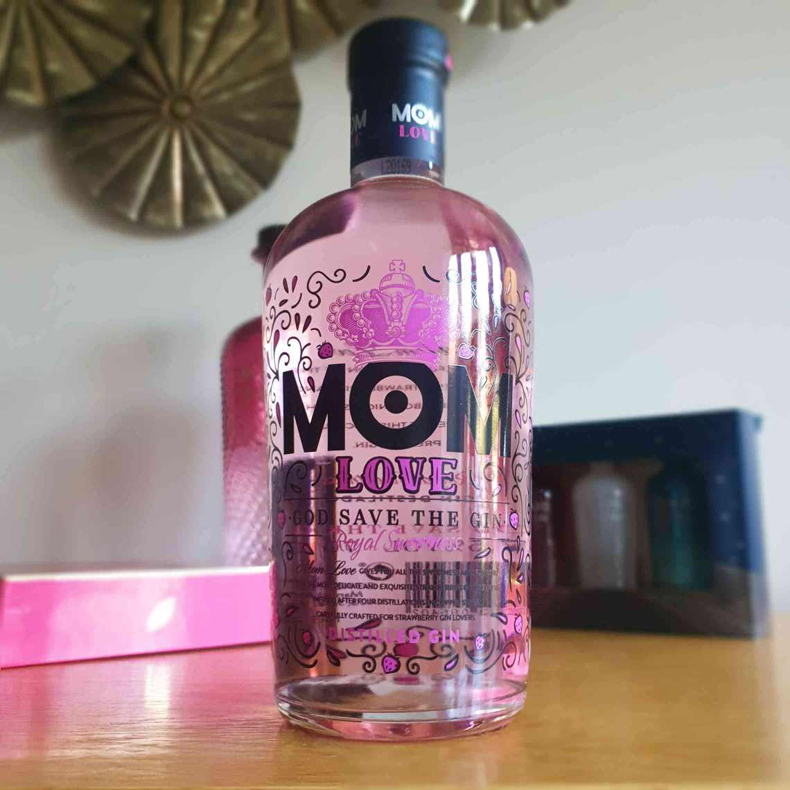 A bottle of MOM Love Pink Gin. The Best Foodie Mother's Day Gifts.
