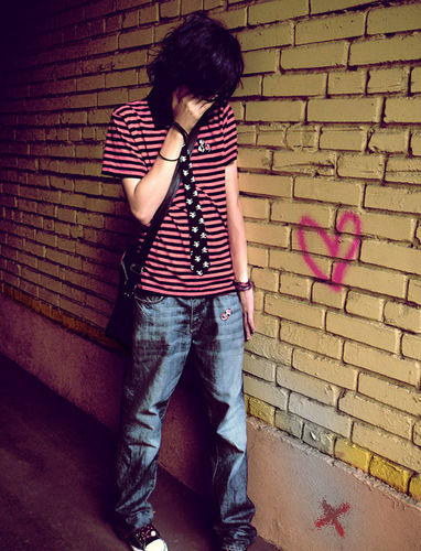 emo emoboy emokid heart wall