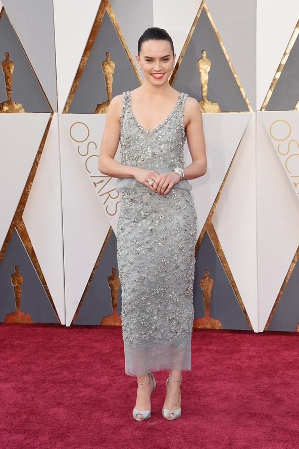 Daisy-Ridley-CHANEL-Oscars-2016