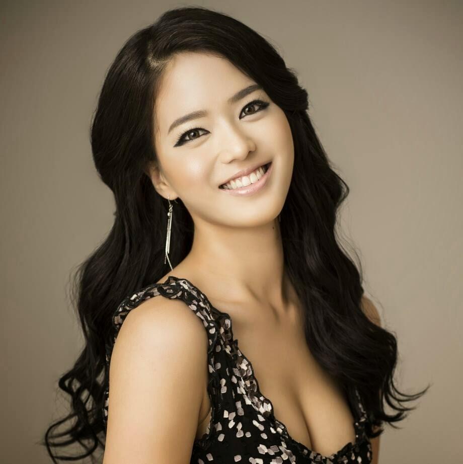 Chipul De Porțelan Al Femeilor Coreene Femei De 10