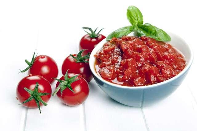 Tomato To Get Smooth Skin